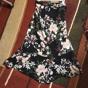 Zara XS floral skirt